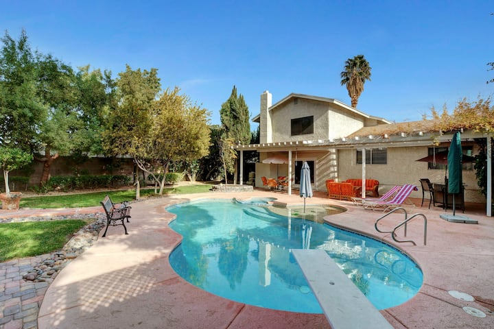 ELEGANT HOME, WITH POOL CLOSE TO LAS VEGAS STRIP