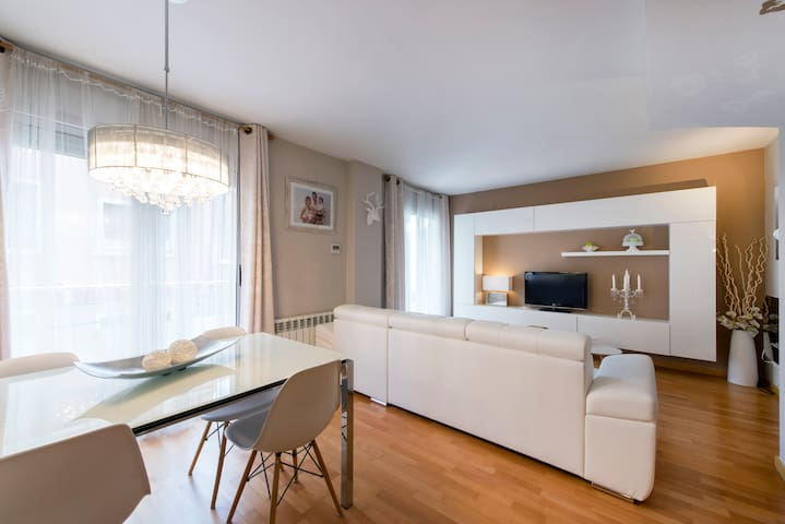 NEW Fabulous Duplex in Park Güell!! - Barcelona - Other