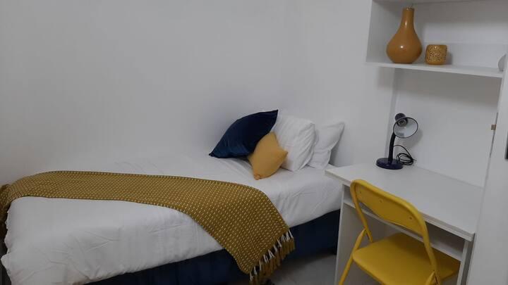 Single rooms in flatlets in Randburg /Cresta