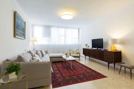 Красивая квартира близко от моря