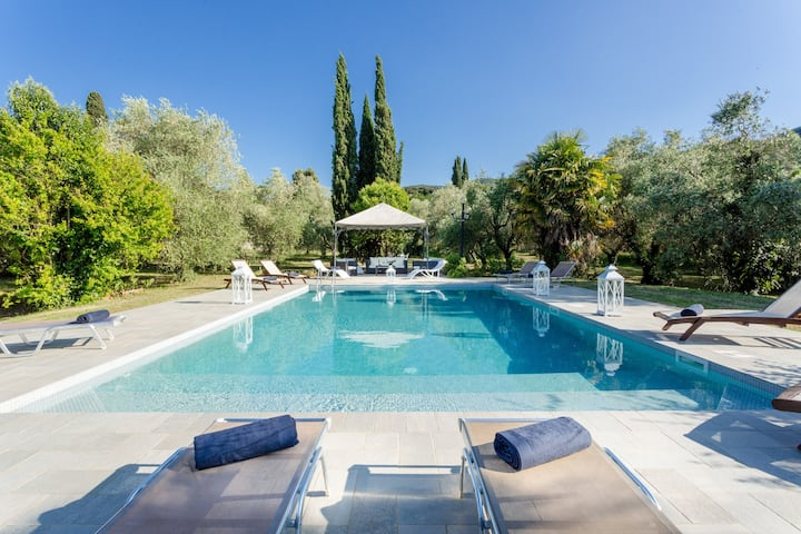 Rewind In Style In a Renaissance Villa with Pool among the Vineyards in Lucca Property overview