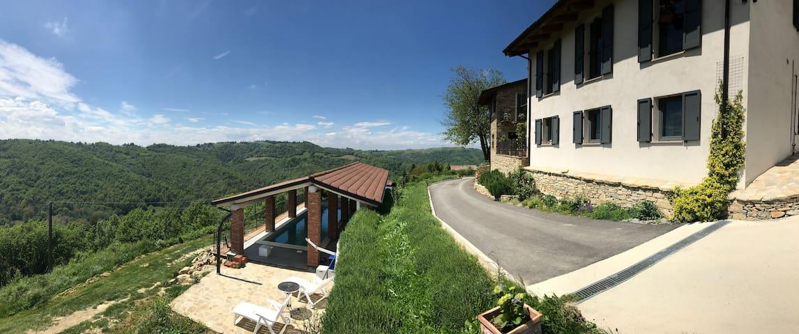 Unique Villa in unexplored italy with Alp views!