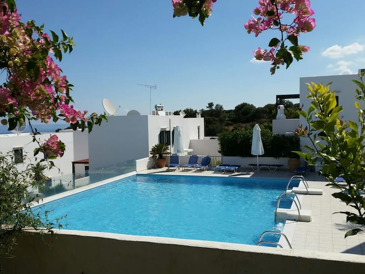 nice apartment with sea view in Plakoti Village
