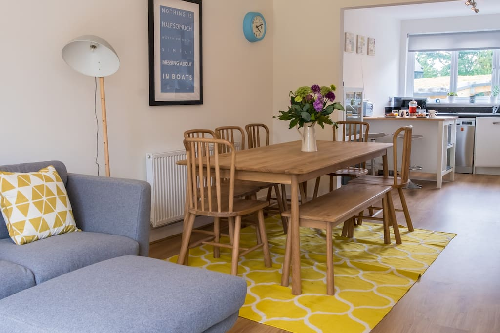 Kitchen/dinner with cosy seating area.
