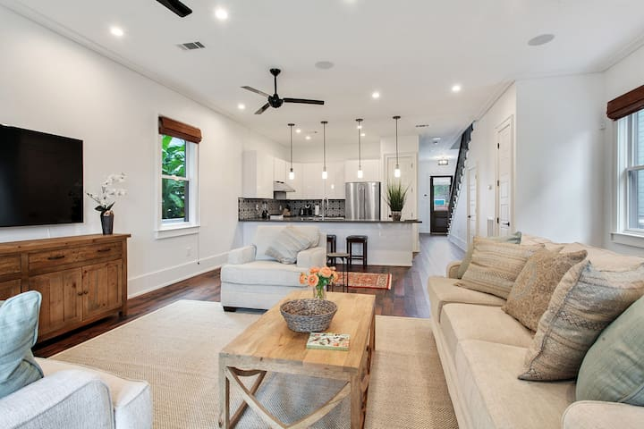 Elegant & Modern Beauty in the Bywater!