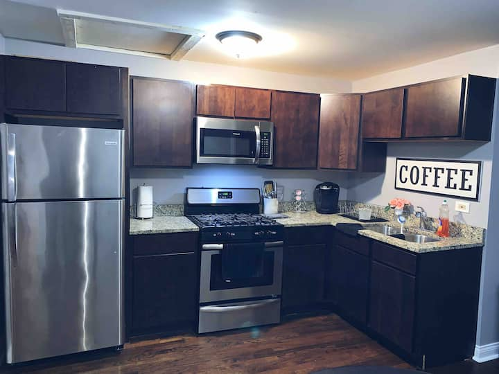 Free Parking, rehabbed and Close to Downtown!