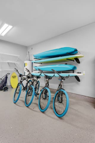 No need to spend time and money renting toys.  Mojo includes 2 free kayaks, 2 free paddleboards, 4 free beach bikes, and 4 free snorkel sets.  Enjoy whenever you want for as long as you want!