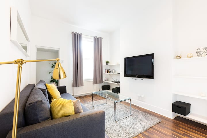 Luxury Two Bedroom Apartment In Notting Hill