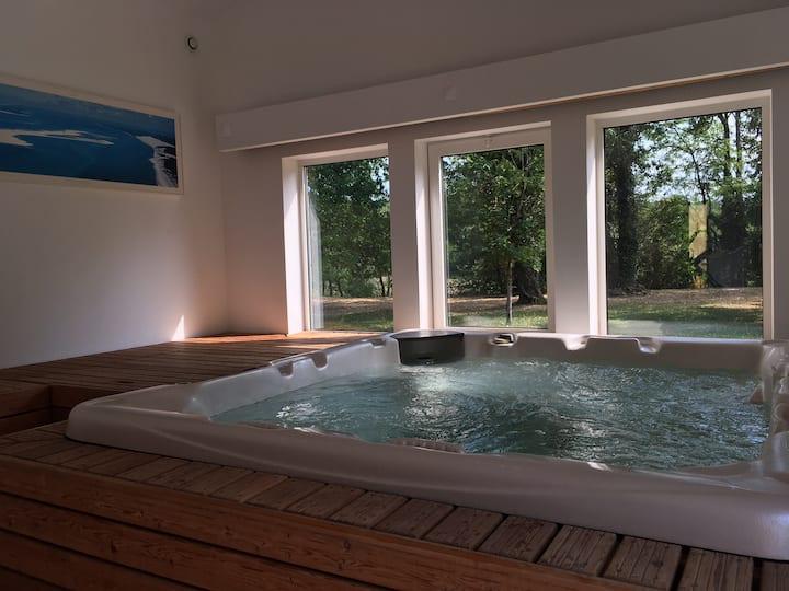 Calme et bien être à Sarlat  jaccuzi piscine