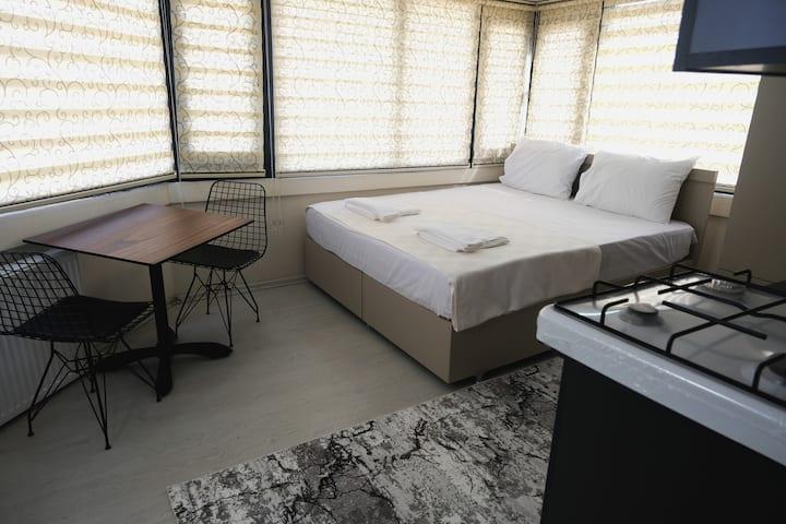 Comfy Decorated Flat Behind Istiklal Caddesi 11
