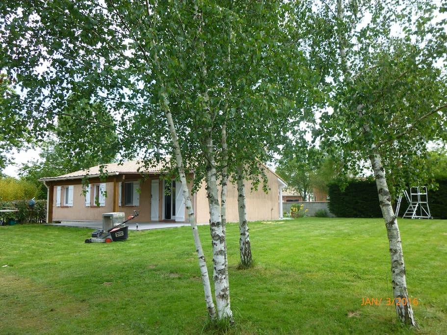 Cosy home 3ch parking et jardin clos au calme houses for Au jardin guest house riebeeckstad
