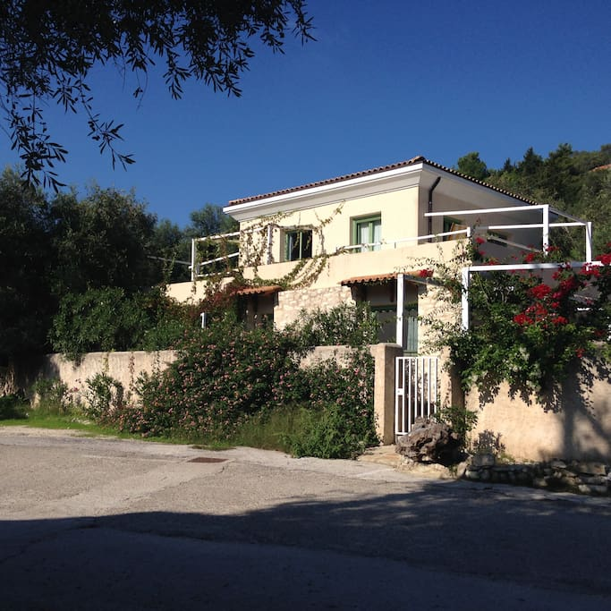 Villa Tzitzicas is just 90 meters from the waterfront!