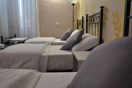 Roma Hostel - Roma - Apartment