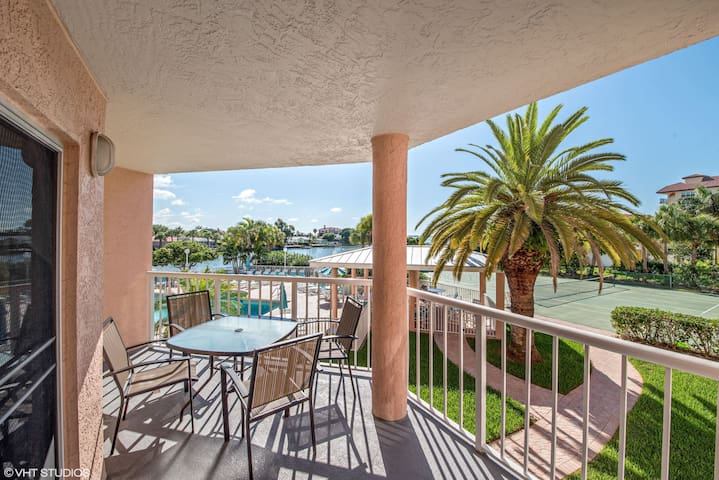 Sunrise Resort 208 - Saint Pete Beach