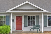 2BR Augusta Townhome in Historic Olde Towne