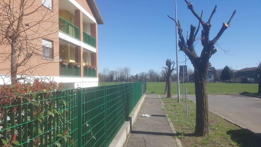 Appartamento v.ze Pavia con box - Zeccone - Byt