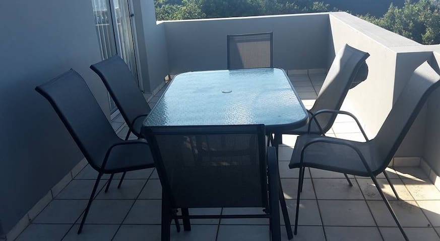 Fully furnished apartment with sea view - East London - Flat