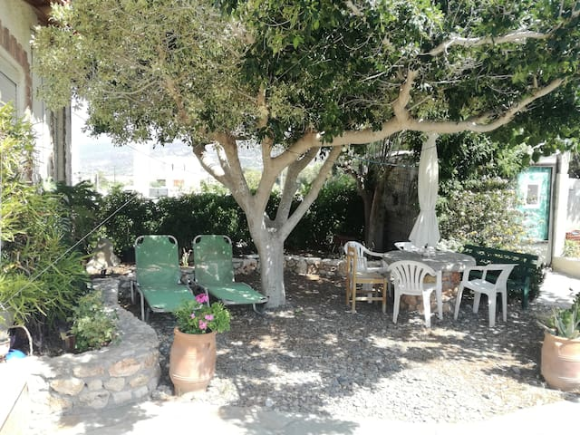 Lovely beach house in Tripitos ancient port, Sitia