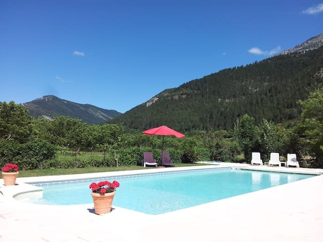 Domaine la Pique - Rose 1 - luxury gite with pool