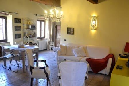 Appartamento nel centro storico Tuscan Style - Castagneto Carducci - Huoneisto
