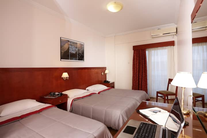 Triple Room-City View in the Heart of Athens!