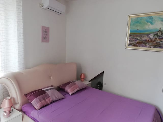 Apartment in Split center, near sea, free parking