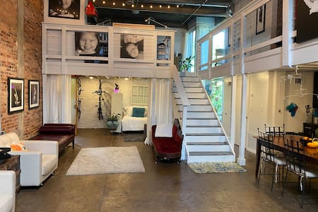 Photographer's Loft on Beltline in-o4w -1 m to DTW
