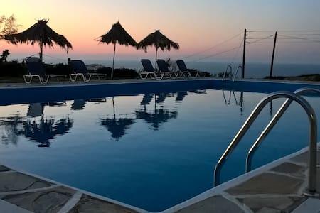 Bellevue Village&Suites in Crete#1