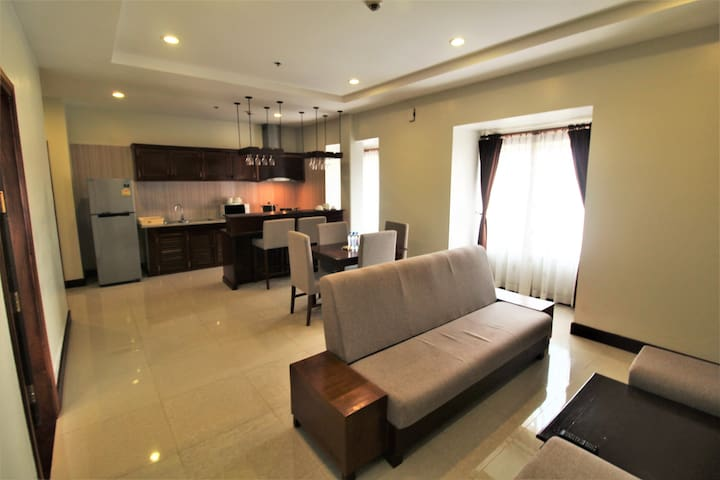 Central luxury apartment for Family and Friends!