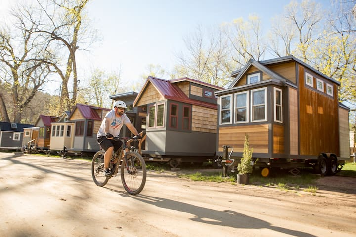 Tiny House Resort: outdoor adventure near Estes Pk