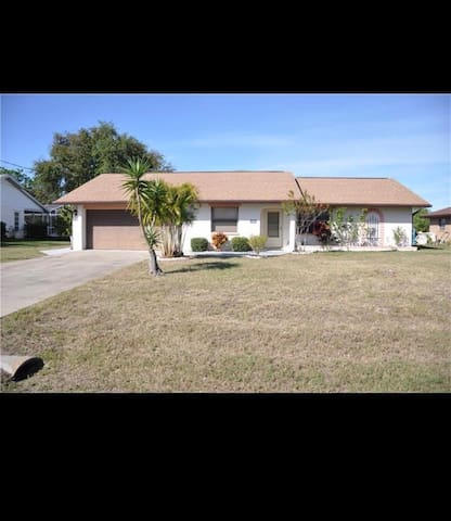 Single family home in Englewood, FL