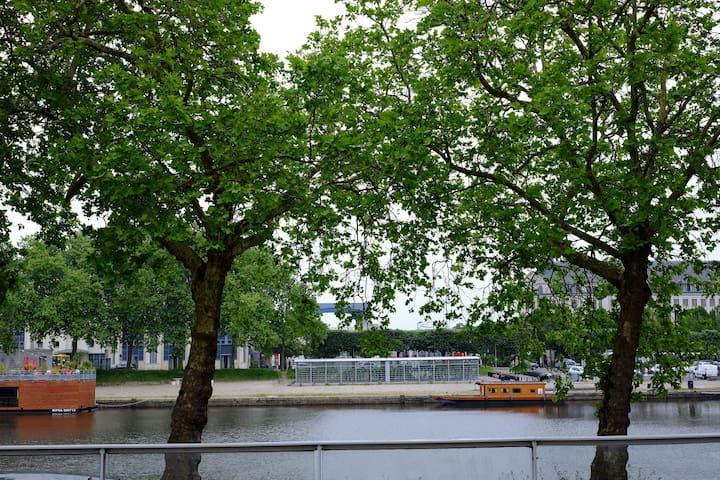 Canal St Félix / Cité des Congrès - parking