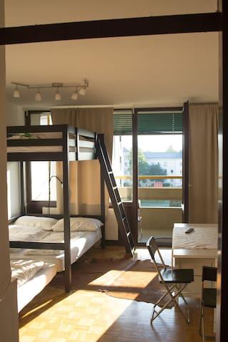 """JUL""Cosy flat terrific view to the river Salzach - Salzburg - Appartement"