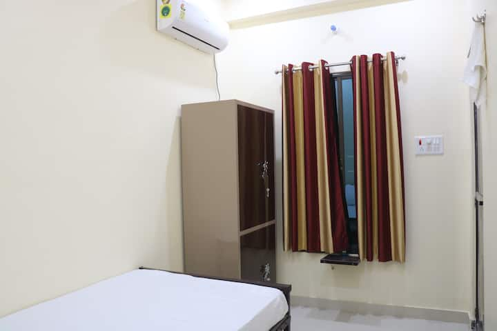 Clean & Sanitized AC rooms for Undisturbed Stay