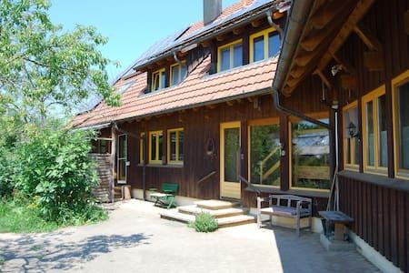 Rustikale Gästewohnung - ökologisch, naturnah