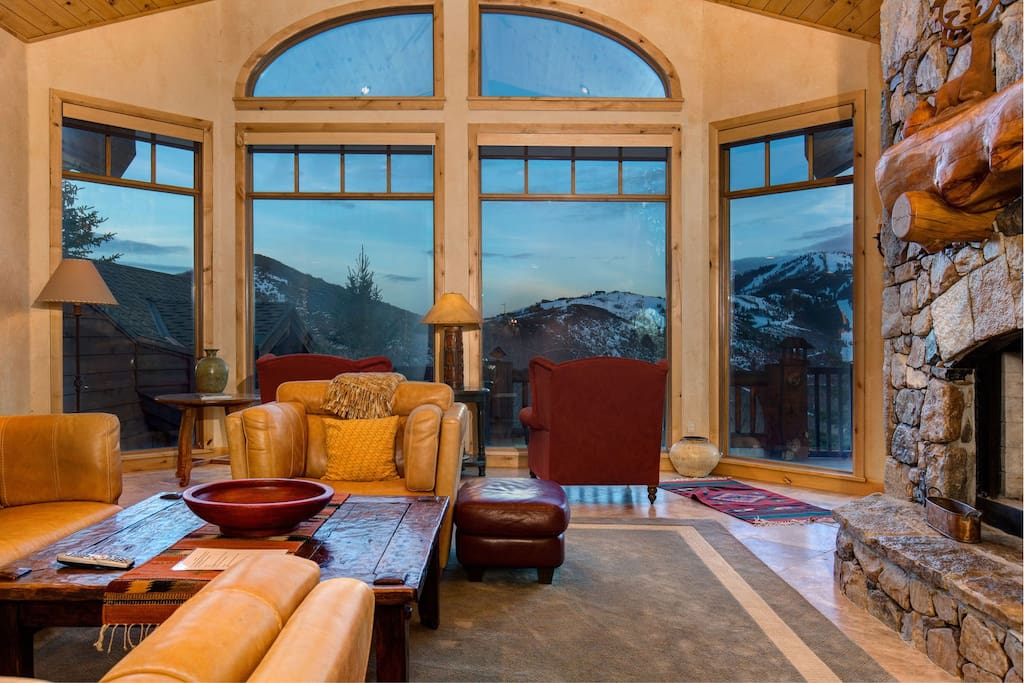 Amazing views with floor to ceiling windows