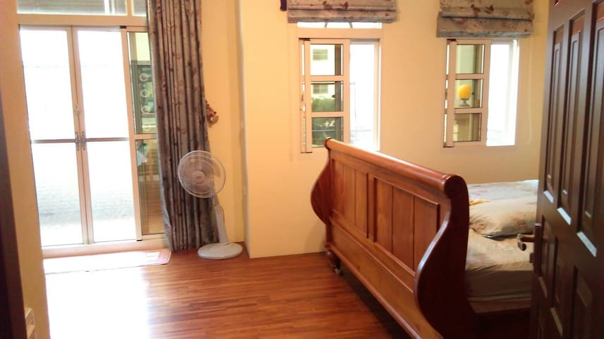 Cosy double room with King size bed 舒適特大雙人床 - Tianzhong Township - Villa