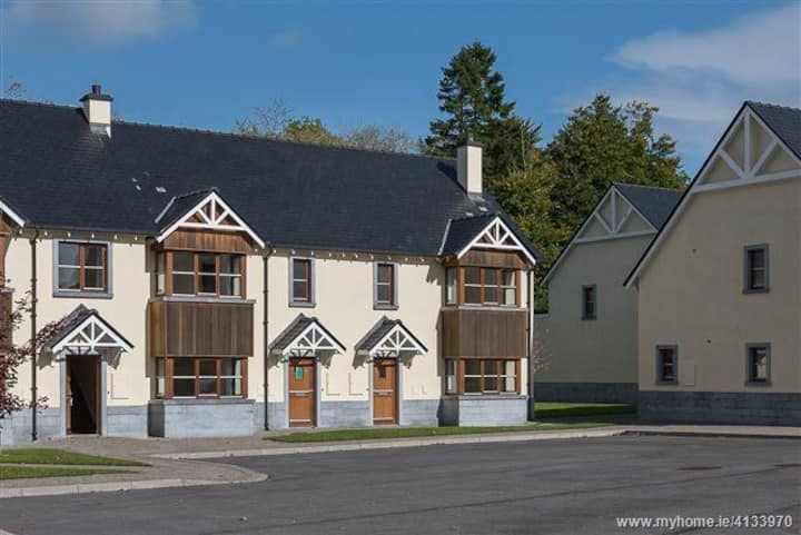 Private 3 bed house on Kilronan Castle Grounds