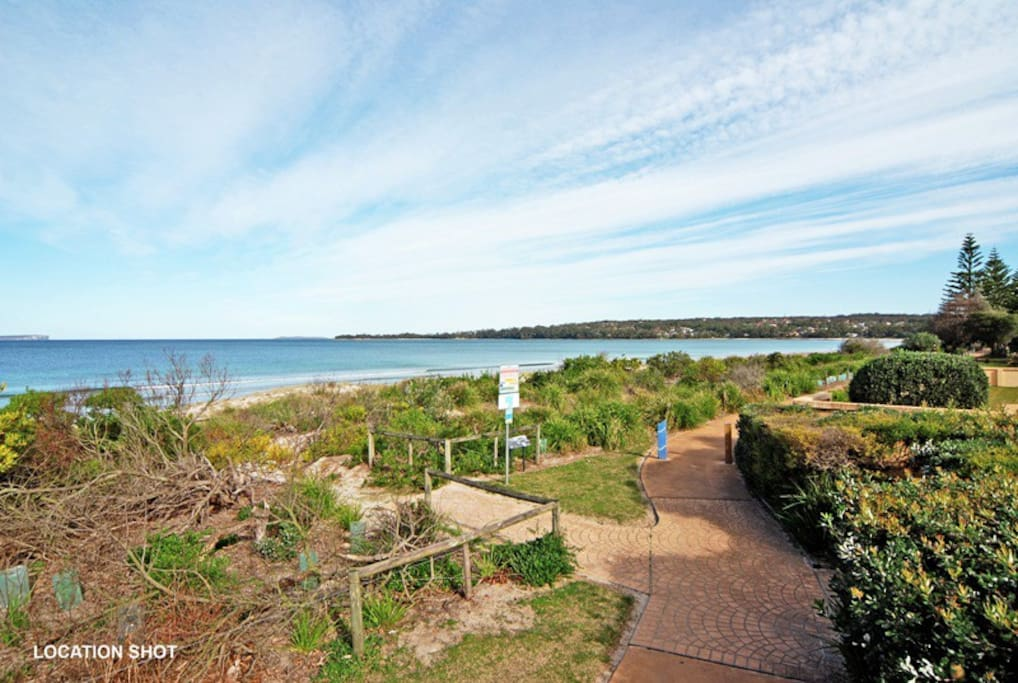 Location shot - nearby walk/cycle track along Collingwood Beach