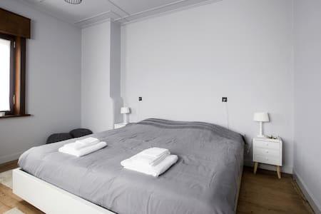 Sleep Sheep & Sleep Well + room3+Parking/Kortrijk - Harelbeke