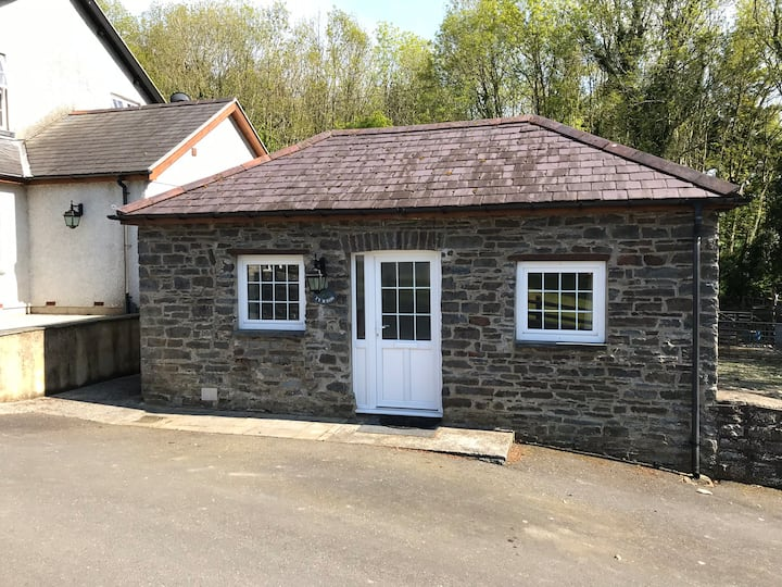 Ty'r Eos located 3 miles from Aberystwyth