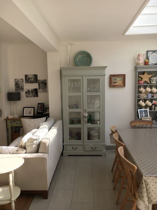 Stylish decor & furniture