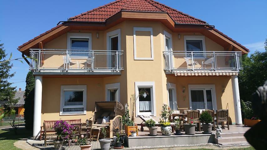 Gemütliches Apartment in Fenyves - Balatonfenyves - Apartment