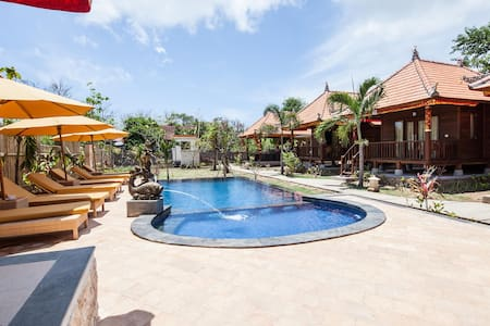 ESCAPE, RELAX AND COMFORTABLE  HOLIDAY WITH BUDGET - Nusapenida