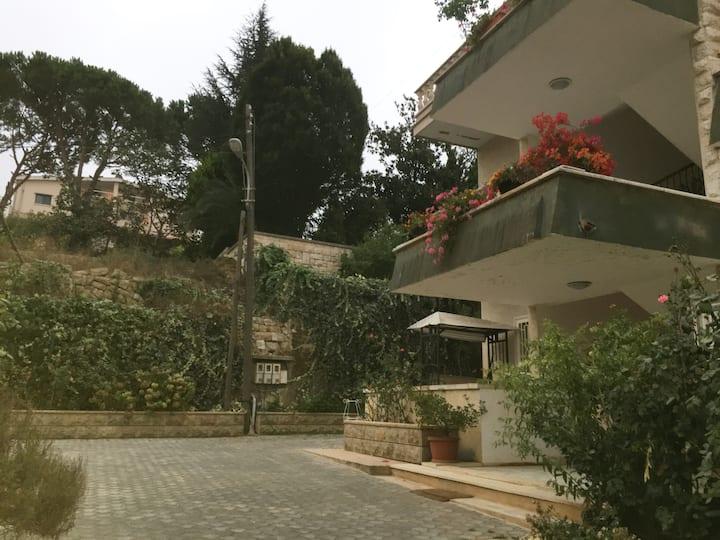 Maison classic et unique a Mont Liban