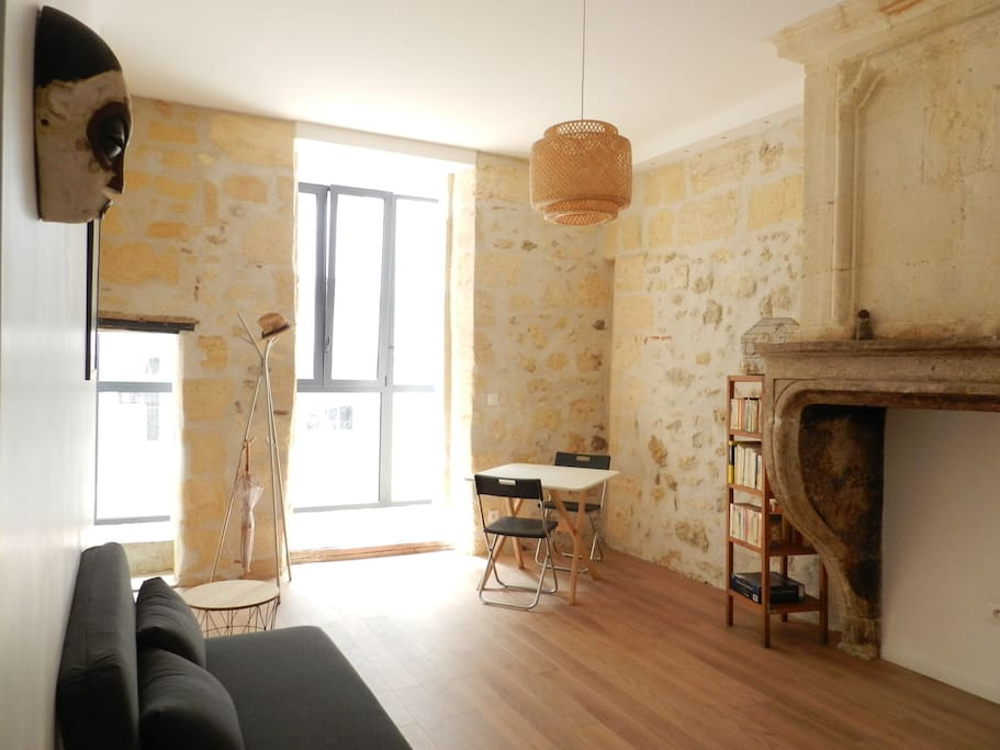 Studio en plein centre de bordeaux appartements louer for Studio bordeaux a louer