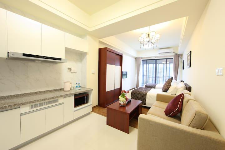 近新白云机场  碧桂园风琪公寓  豪华双床房 - Guangzhou - Apartament