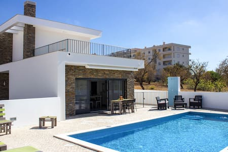 Quiet & Modern Pool Vila near Albufeira - Algoz