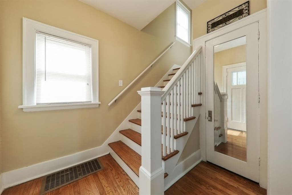 stairs going to 2nd floor