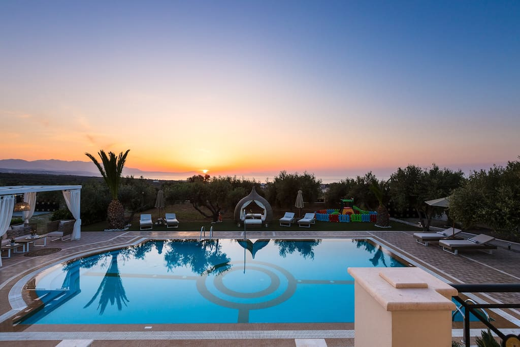 Villa Daphne combines absolute privacy and serenity in luxurious accommodations!